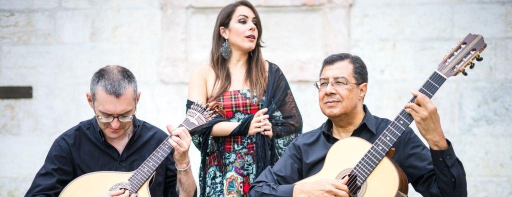 band singing fado portuguese music